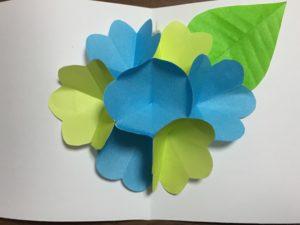 飛び出すカードの作り方 花の簡単な手作り方法かわいい