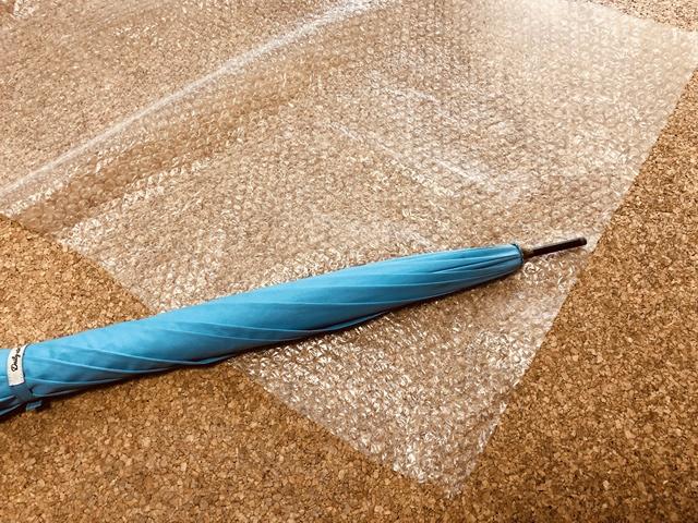 傘の梱包プチプチ巻き方2